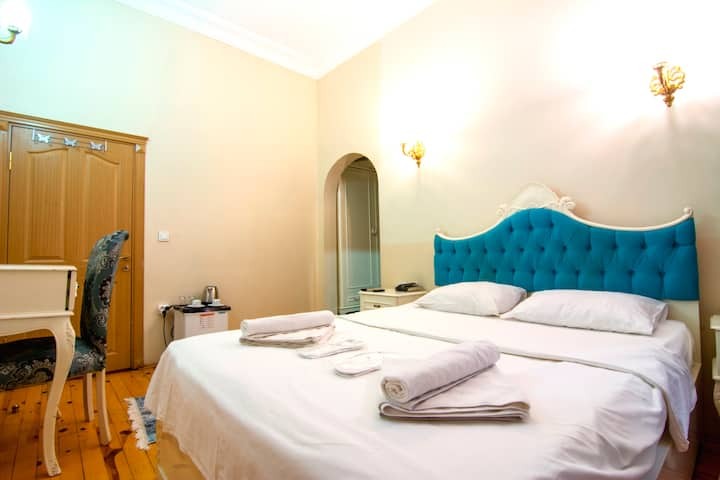 LARGE DOUBLE ROOM WİTH BREAKFAST