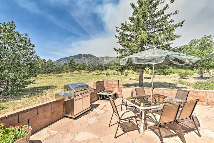 Lovely Flagstaff Home w/BBQ Area & Mtn Views!