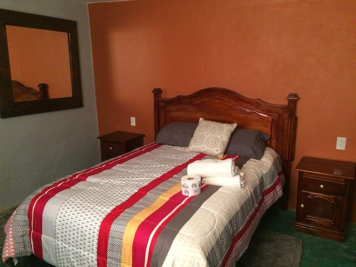 Hospedaje charbel (habitación para pareja )