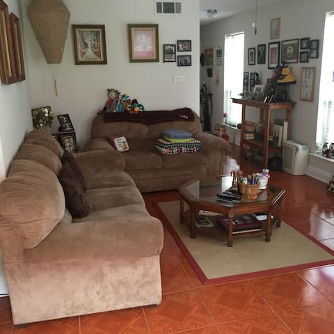 Comfortable, spacious apartment... - Metairie - Departamento