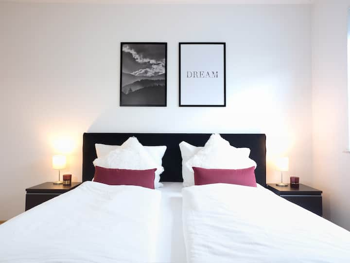 ★ Long Term Discount ★ COZY and QUIET Flat