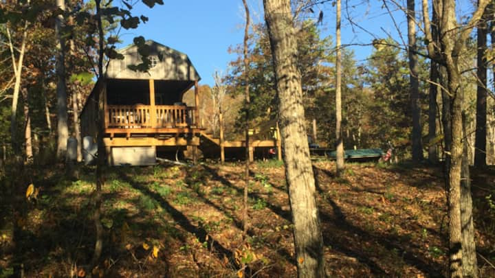Secluded Ozarks Cabin in the woods - Eminence MO