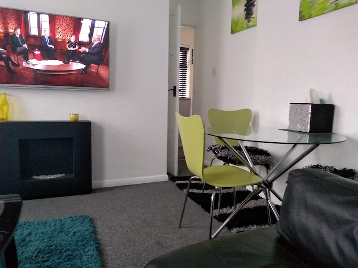 Entire flat in S41 - contactless - SLEEPS 3 EASILY