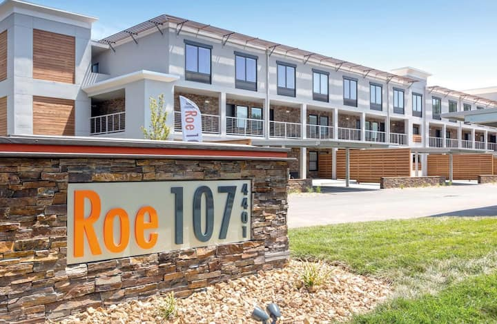 1-Bedroom Apt in Overland Park  @ 435 and Roe
