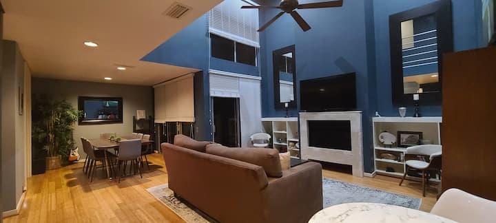 Modern Retreat in Houston Galleria Area