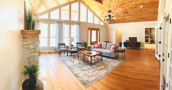 Spacious Mid-Century Home in LOHO!