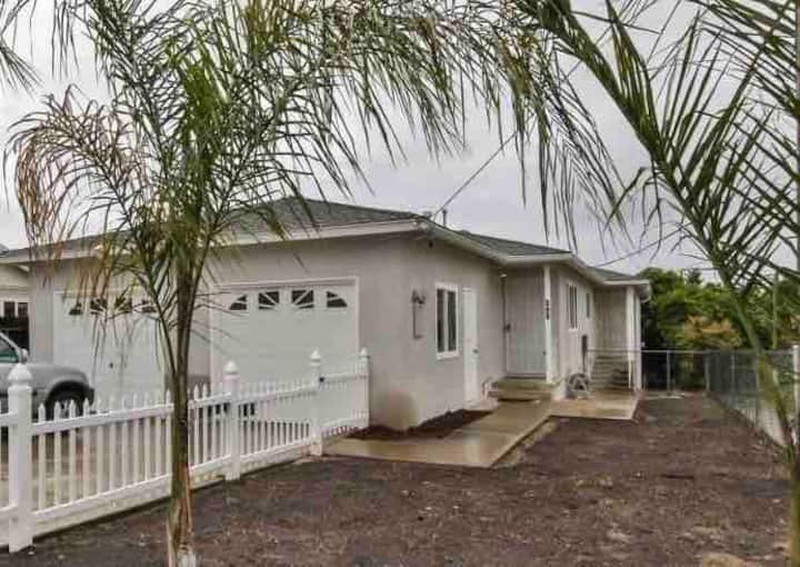 Charming CV Bungalow near Downtown San Diego