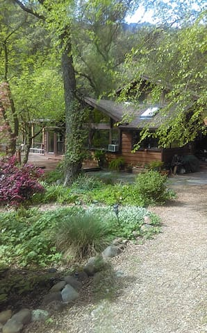 Butte Creek Getaway - Chico - Haus