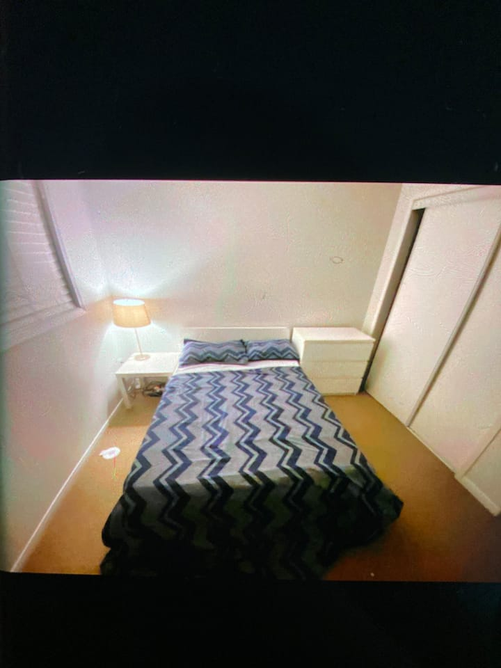 Clean furnished private room with private washroom