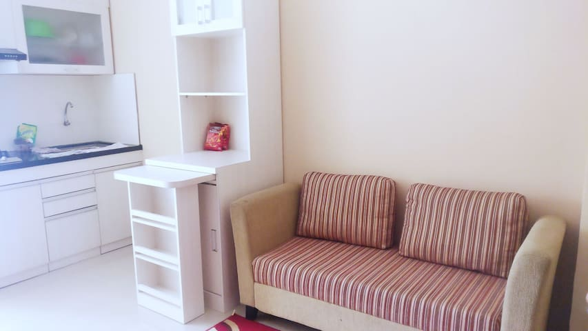 J'K Cosy Home (cibubur village apartment)