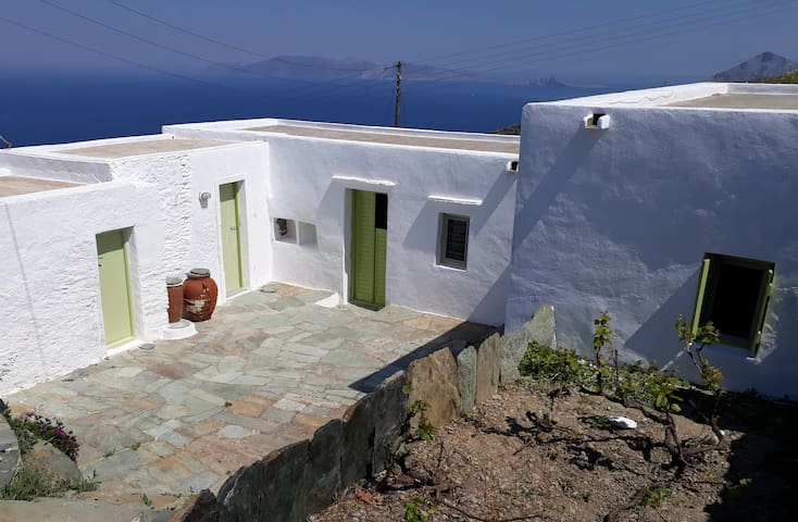 "Traditional Themonia ""Ambelaki house"" - Ano Meria - Casa"