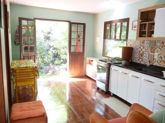 Casa em terreno Arborizado em Florianópolis - Florianópolis - Chalet