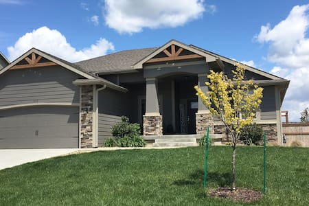 Near Rock Chalk Park & Clinton Lake  3000 sq-ft.