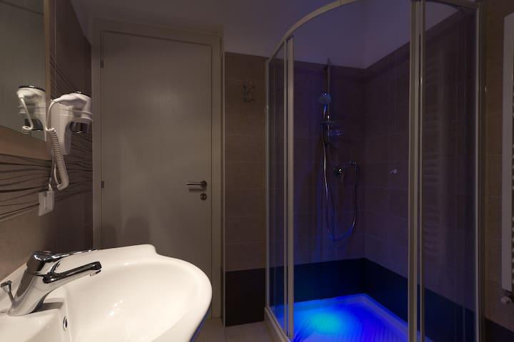 Castel Sant'Angelo Bathroom