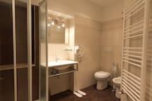 Fontana di Trevi Bathroom