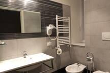 Colosseo Bathroom