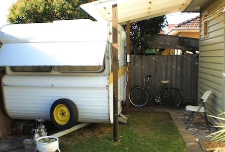 Comfy Caravan - Sunshine - Kamp Karavanı/Karavan