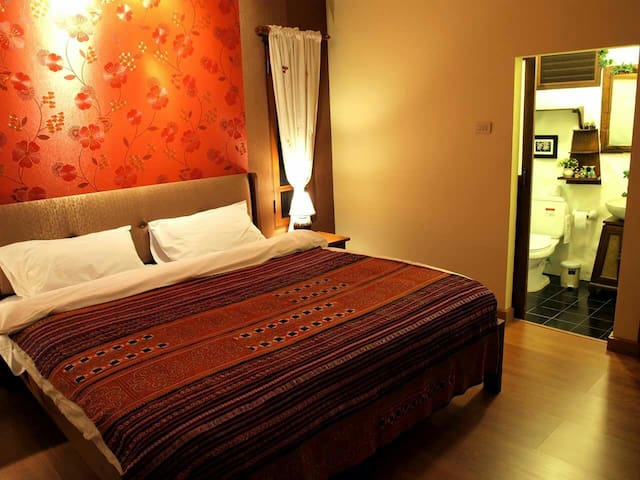 Plumeria Home; Double bedroom2 - Chiang Mai - Ev
