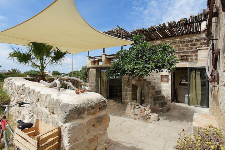 casa Vigneto, villa punta San Nicola beach @ 100m.