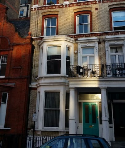 Flat in Kensington London W8 - London - House