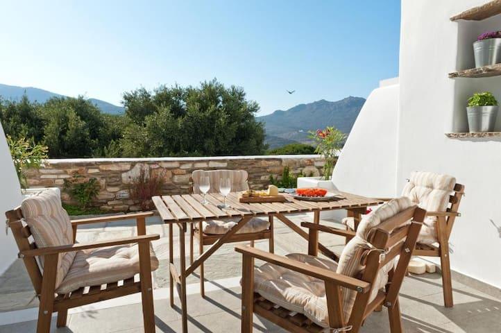 Almyra - Split Level House in Pyrgos Center
