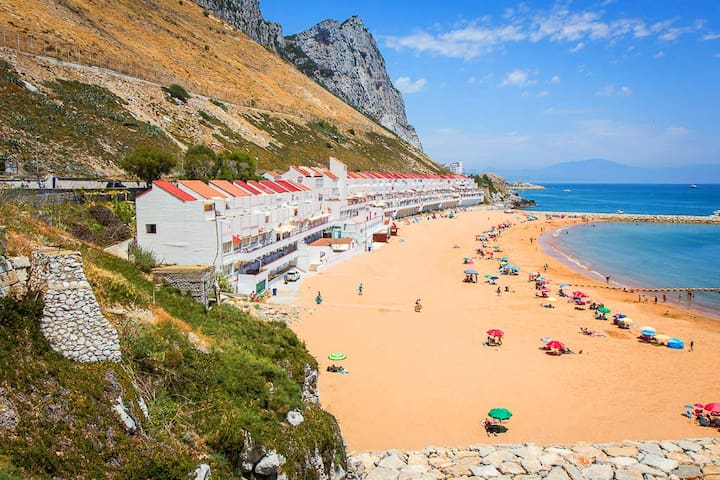 Both Worlds Over 50's Holiday rental - Gibraltar - Pis
