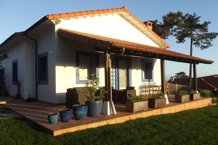 Preciosa casita en playa de Latas - Loredo - House
