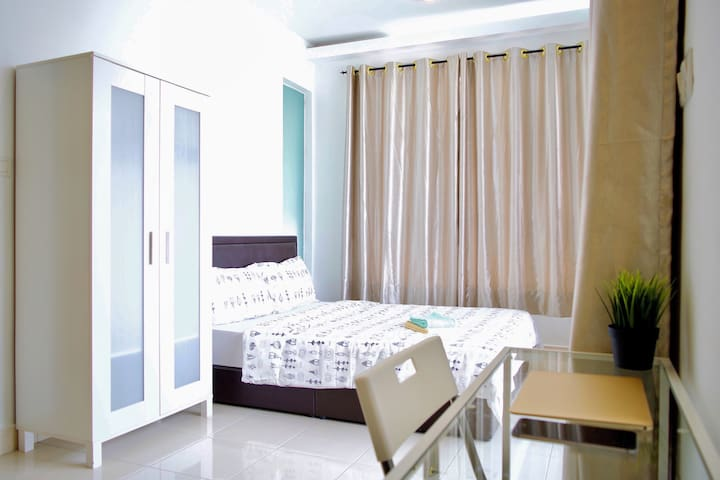 *SKYLINE VIEW* 1BR Damansara Std