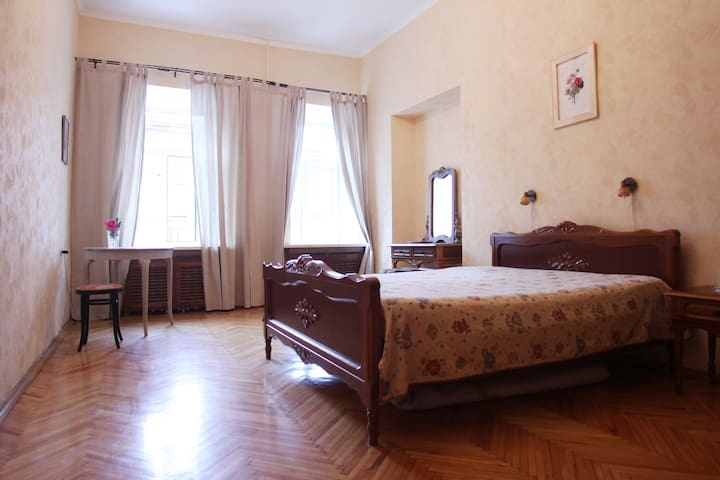 2-bedroom apartment in the center