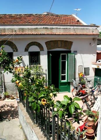Petite Villa au charme original - Palermo - Villa