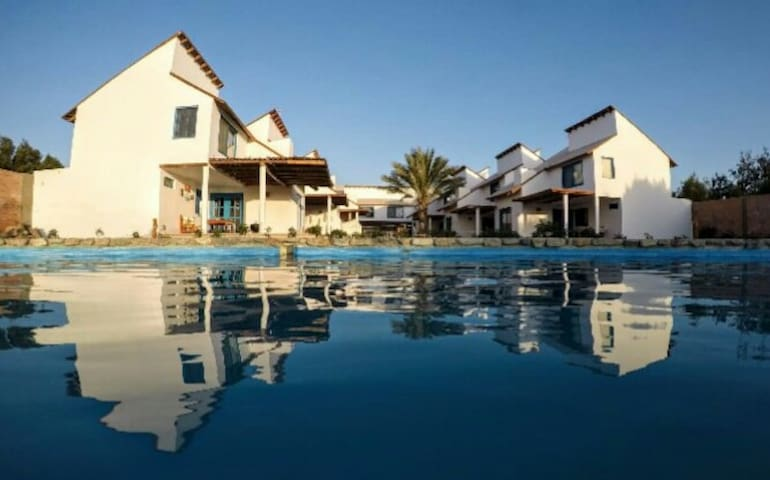 Beautiful bungalow in Paracas bay