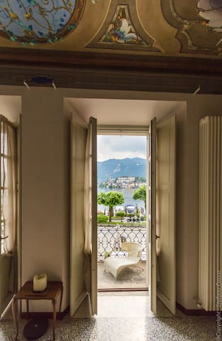 Honeymoon - lakefront apartment with sunny balcony - Orta San Giulio - Leilighet
