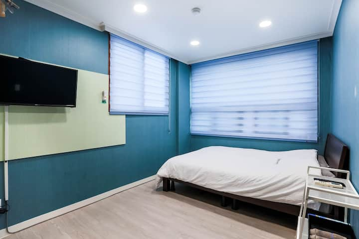 """""""Discovery Busan"""" -Delux double room(1 double bed)"""