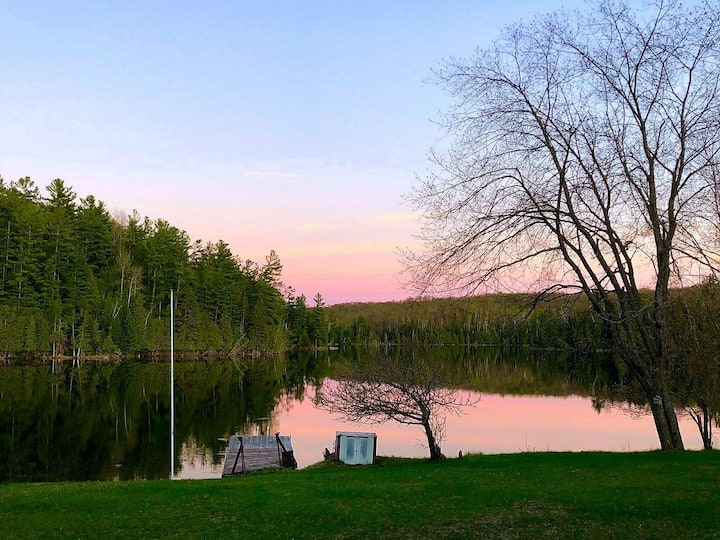 Bancroft waterfront cottage getaway
