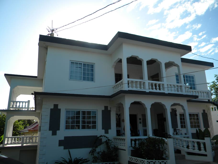 Gorgeous view of the front of the 6 bedroom villa. Private balconies, lovely views, well maintained grounds.