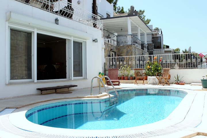 Bodrum Villa private pool sleeps 6 - Bodrum - Villa