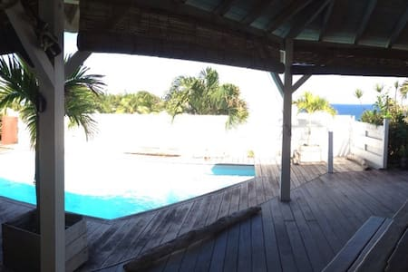 Villa tropicale face à la mer - Le Moule