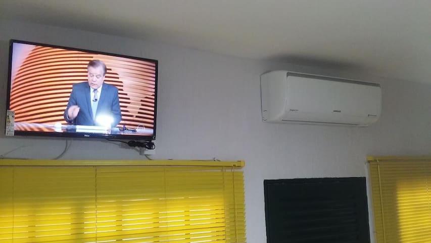 Quarto II em Araraquara, Smart TV, WiFi e Ar.