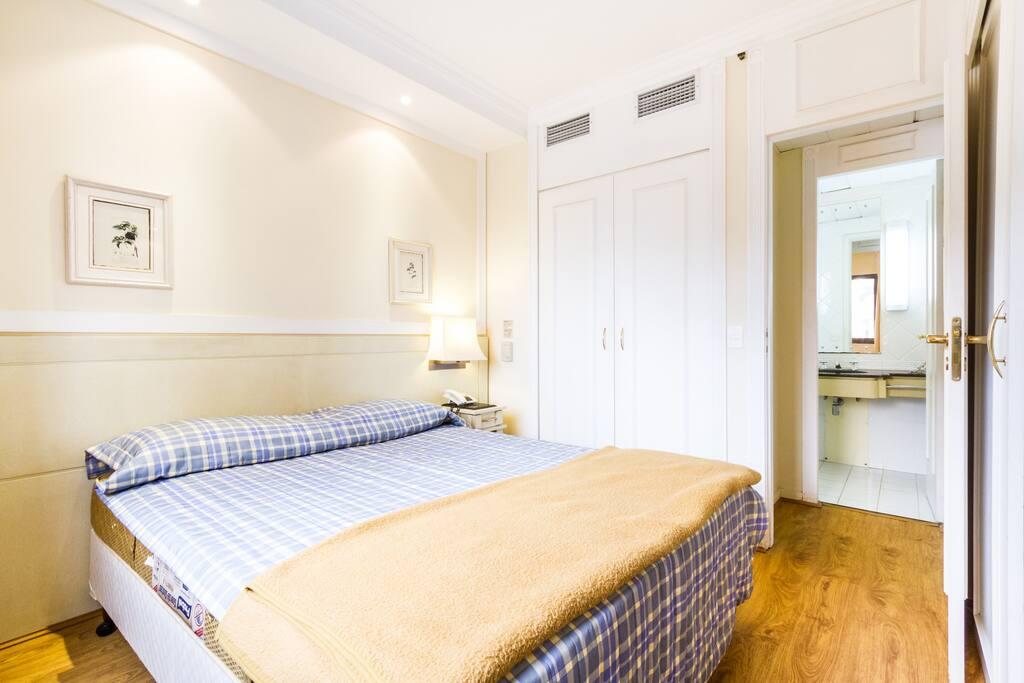 Quarto - a roupa de cama não será fornecida (bedroom - Sheets are not included)