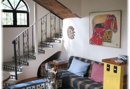 Deluxe Cottage in Mexico´s heart - Jocotepec - Wikt i opierunek