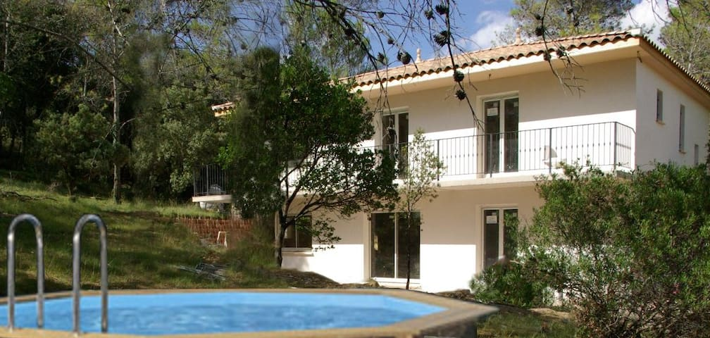 belle villa au calme dans pinède - Montarnaud