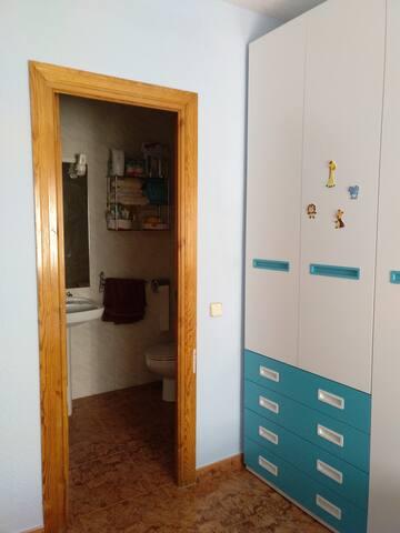 Piso con habitación privada en la Sierra de Madrid