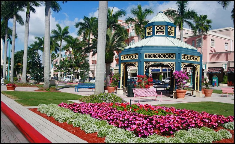 Downtown East Boca Mizner Park Apt - Boca Raton - House