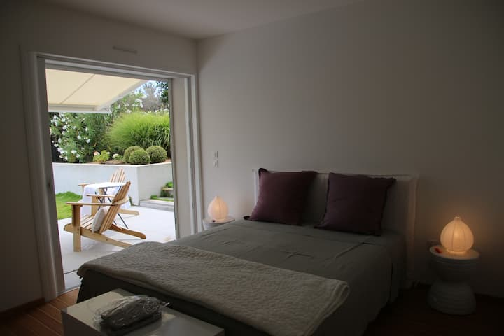 Ajaccio très belle chambre dans villa  bord de mer