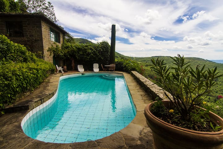 Garden Pool Villa at Top of Tuscany