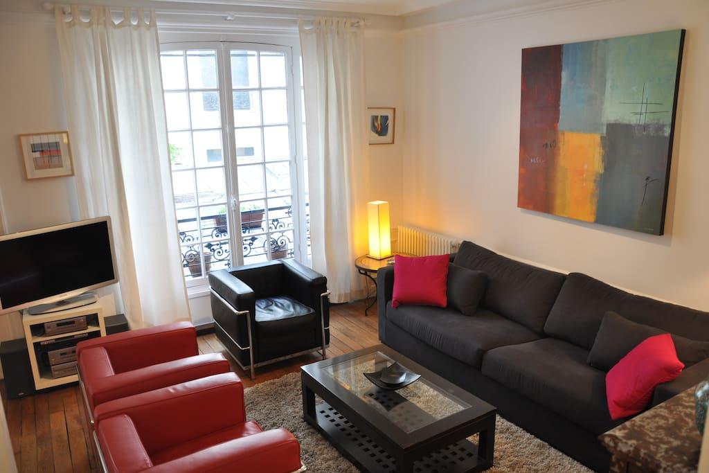 Mise En Demeure 1br 1ba 3 People Flats For Rent In