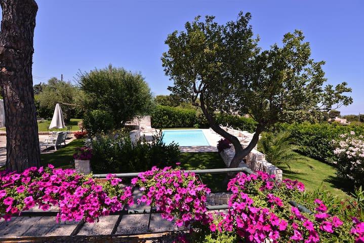 Trulli Villa Gloria  - Laureto - House