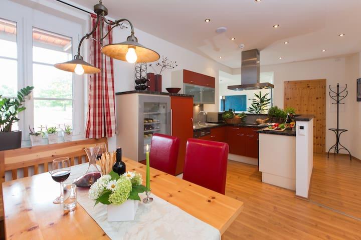 Sonniges Apartement 4two, Wandern, Radeln, Relaxen