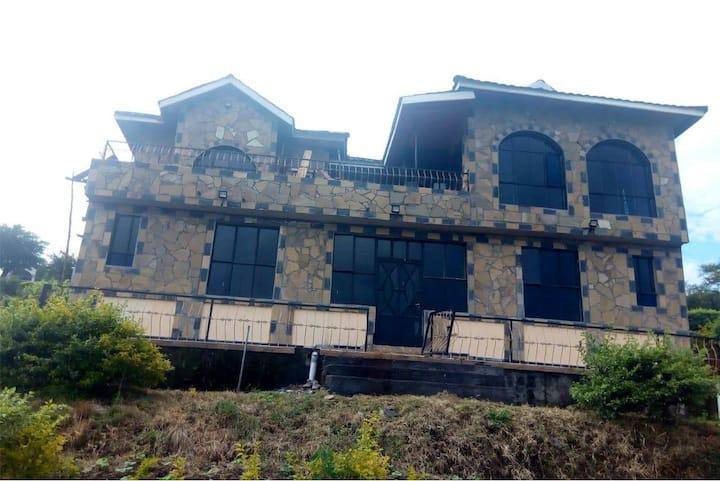 Capital hill villa