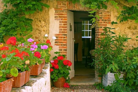 Cottage Les Glycines, Loire Valley - Conflans-sur-Anille